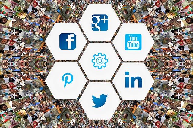 social-media-3129481_640